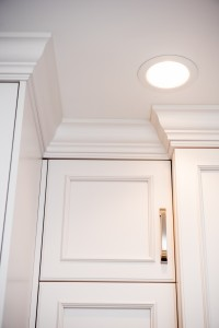 kitchen crown moulding detail (1)
